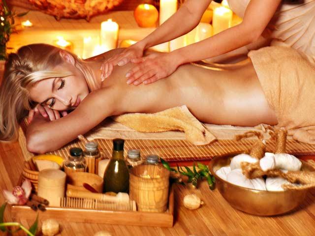 Медовый массаж в SPA салоне