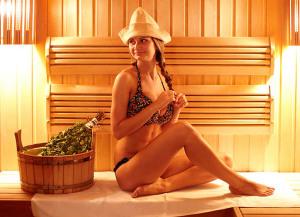 Как правильно париться в русской бане с веником. Сколько париться