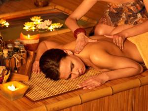 Расслабляющий массаж в бане