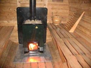 Установка печи на деревянный пол с применением металла