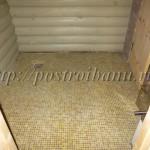 Плитка-мозаика на полу в мойке