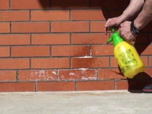Как убрать высолы с кирпича
