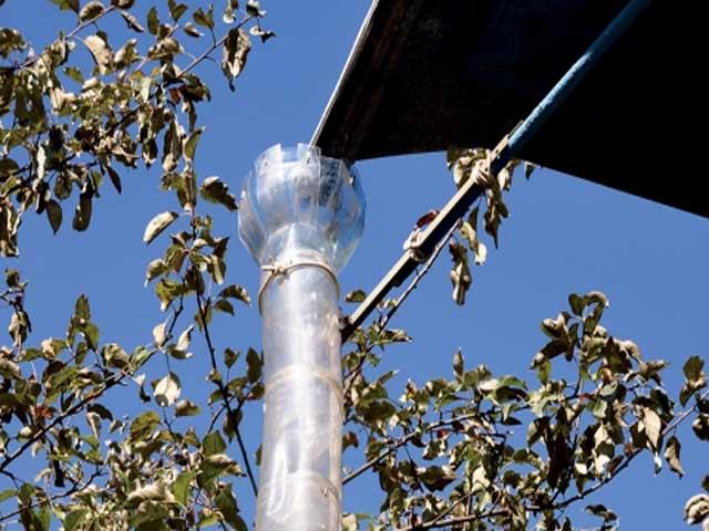 Из пластиковых бутылок сделать водосток с крыши своими руками из 58