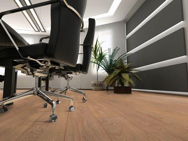 Износостойкий ламинат в офисе