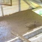 Утепление потолка в бане глиной и стружкой