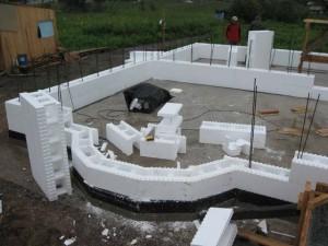 Несъёмная опалубка: строительство дома