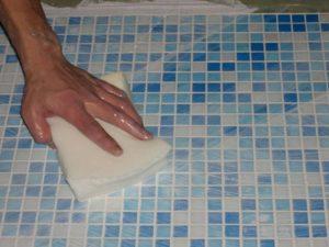 Как уложить мозаику