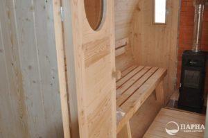 Собранная баня-бочка внутри